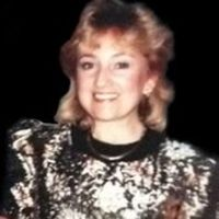 Profile picture of Julie Ross